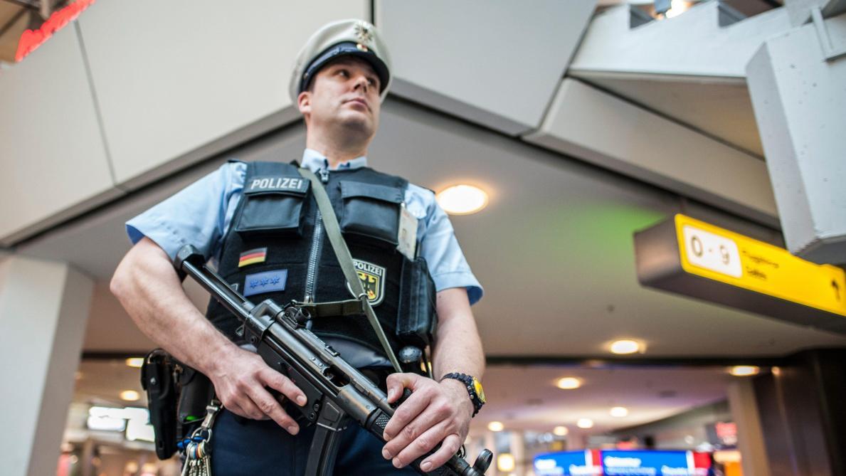 Fusillade et prise d'otages dans la gare centrale de Cologne — Allemagne