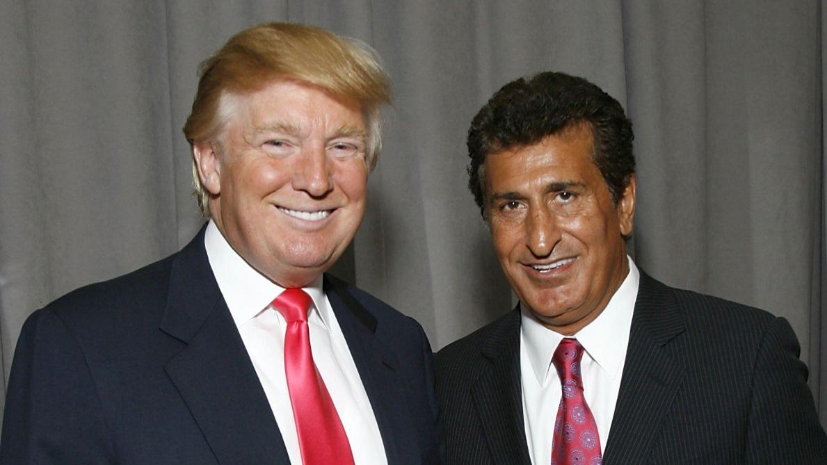 Le 19 septembre 2007, Donald Trump et Tevfik Arif inaugurent ensemble le projet immobilier « Trump Soho ». © Getty Images.