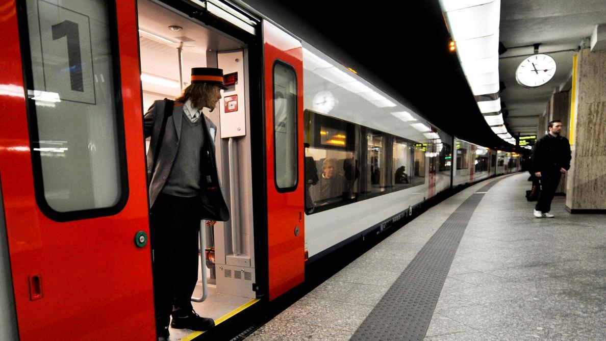 """Résultat de recherche d'images pour """"trains en retard"""""""