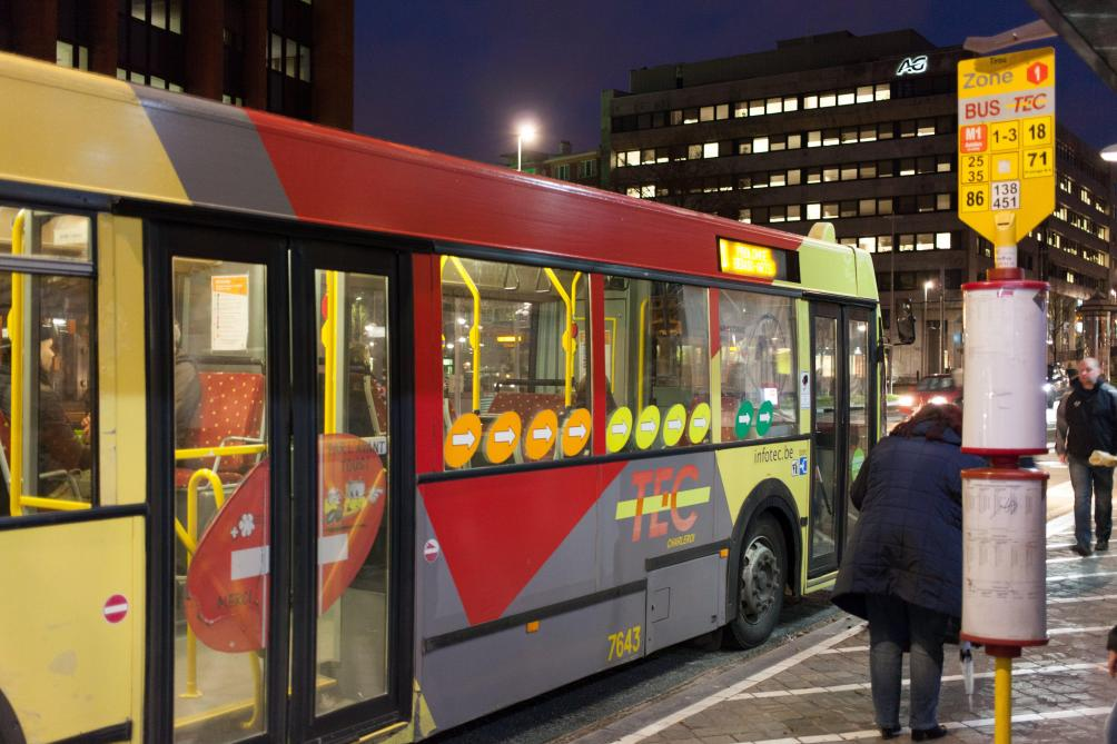 charleroi des bus hybrides d ici la mi octobre le soir. Black Bedroom Furniture Sets. Home Design Ideas