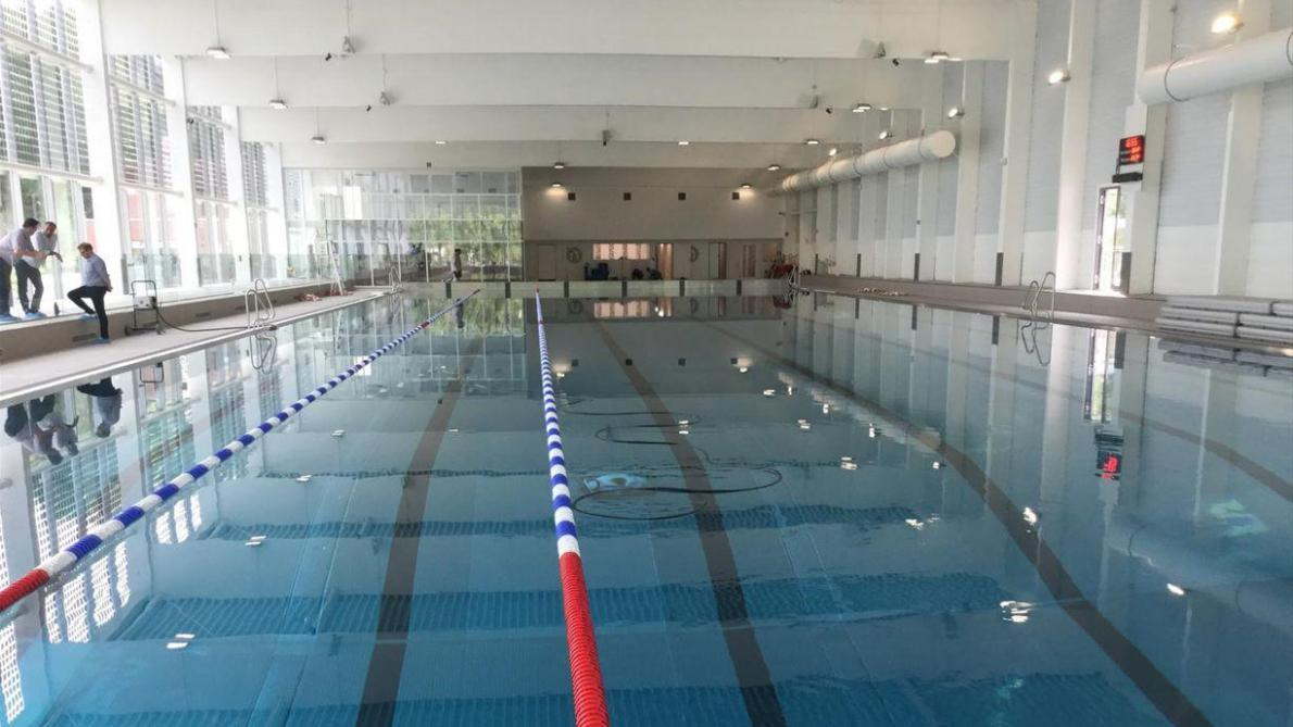 L ouverture de la piscine de la dodaine est report e au for Piscine village neuf horaires