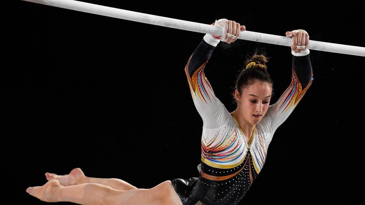 Nina Derwael décroche le bronze aux barres asymétriques aux Mondiaux ... 8935c92cd35