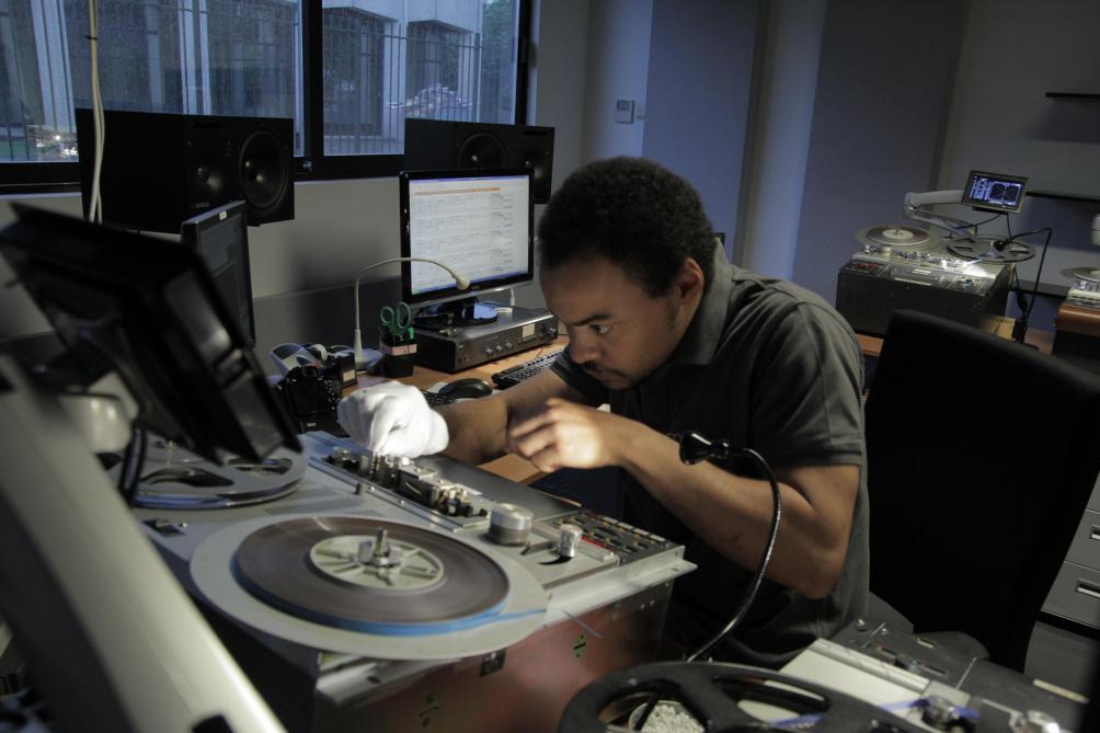 Memnon, entreprise bruxelloise, récemment rachetée par Sony, est le leader mondial dans la digitalisation de contenu. © Memnon archiving system.