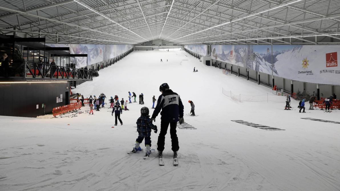 la piste de ski indoor aspen wilrijk est lune des trois