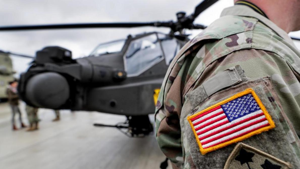 Onze personnes souffrantes après une lettre suspecte sur une base militaire