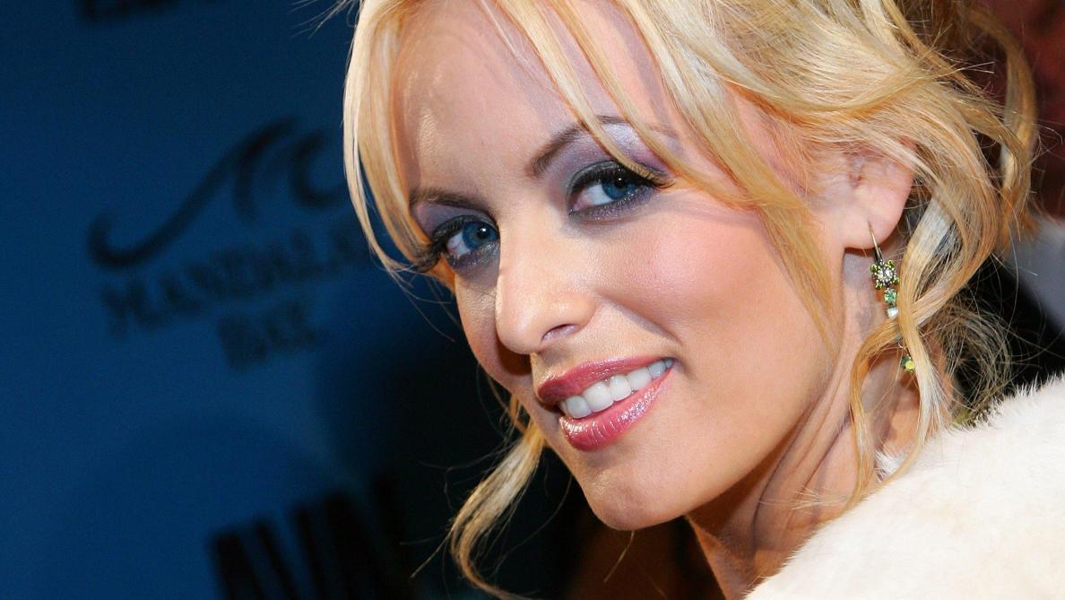 Actrices Porno 2016 l'actrice porno stormy daniels porte plainte contre donald