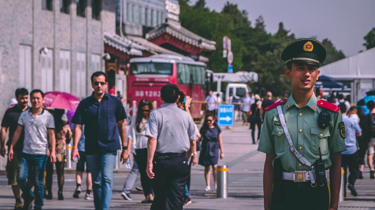 A partir du 1er mai, les citoyens chinois avec une faible «note sociale»  n auront plus accès aux trains ni aux avions - Le Soir 4dde3dd87fe