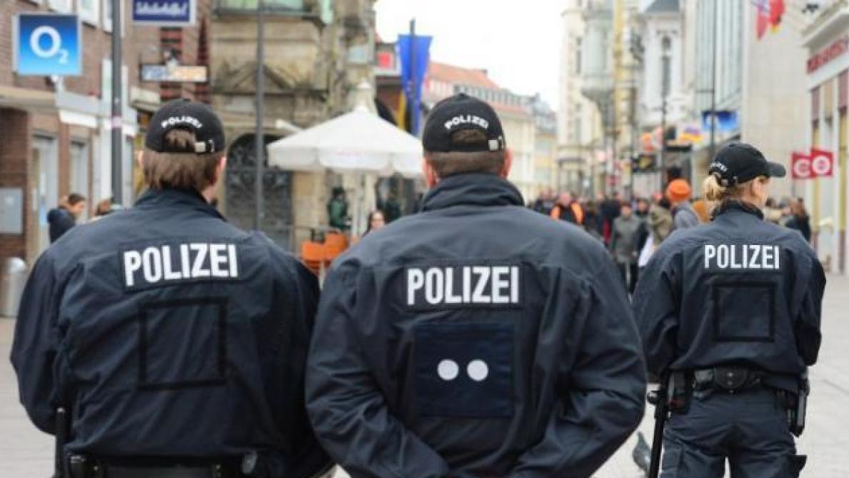 Évacuation après la découverte d'une bombe — Berlin