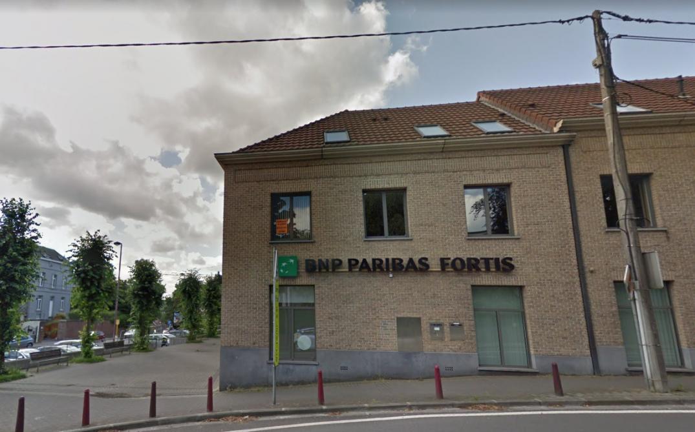 Alerte à l'anthrax dans une agence bancaire de La Hulpe (PHOTOS)