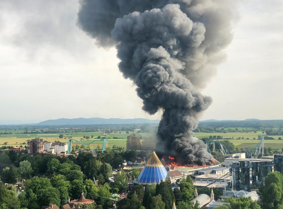 Allemagne: Important incendie à Europa-Park - Monde