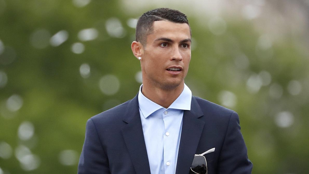 Cristiano Ronaldo éteint les rumeurs sur son départ et rassure les ... 5f3b7eed19a3