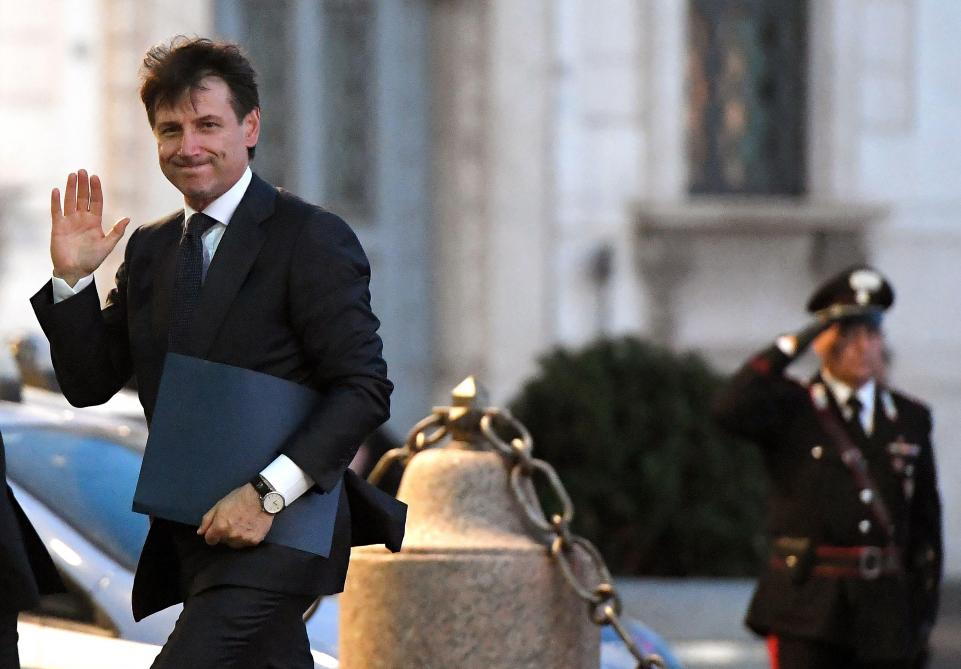 Équilibre entre populistes, et seulement 5 femmes — Gouvernement italien