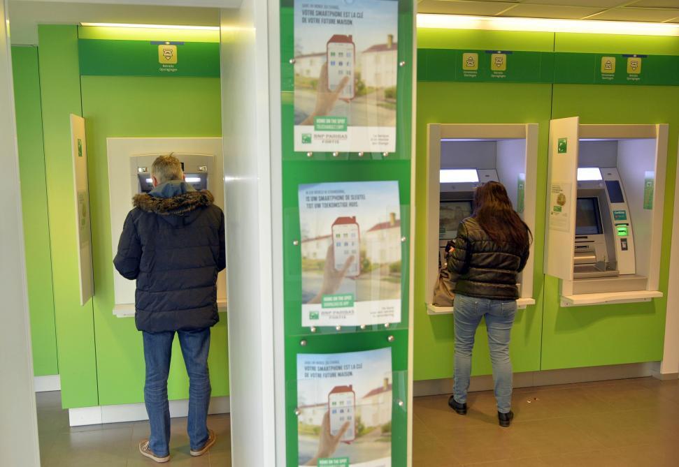 Carte Bancaire Fortis.Bnp Paribas Fortis Va Augmenter Ses Tarifs Le Soir