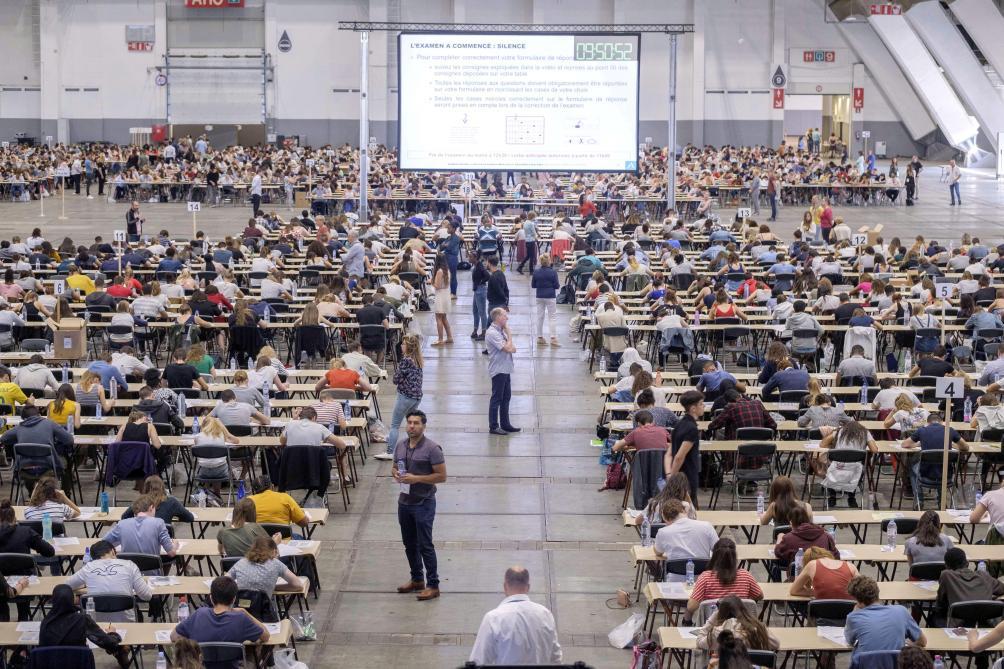 1.044 étudiants en médecine pour 505 numéros Inami à leur fin d'études: la CIUM inquiète