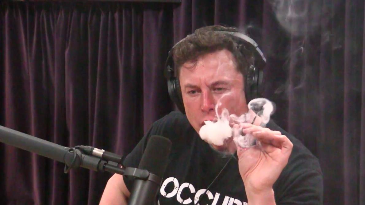 Elon Musk Tesla Fume Un Joint Lors Dune Incroyable Interview