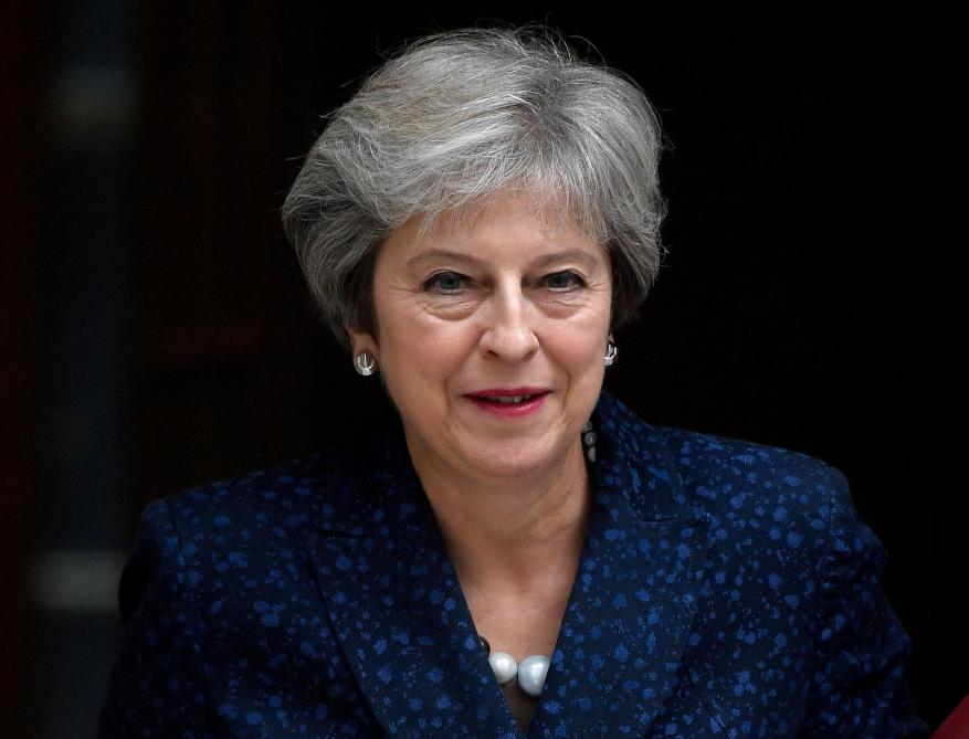 Theresa May menace l'UE — Brexit