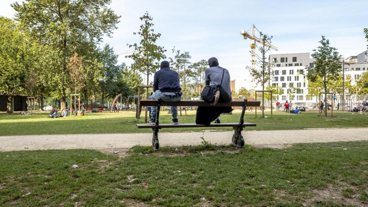 Un policier a été poignardé dans le parc Maximilien à Bruxelles