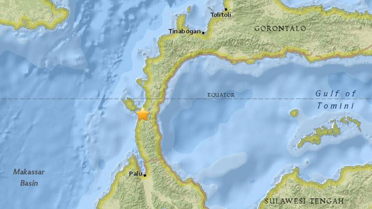 Un séisme suivi d'un tsunami fait 384 morts