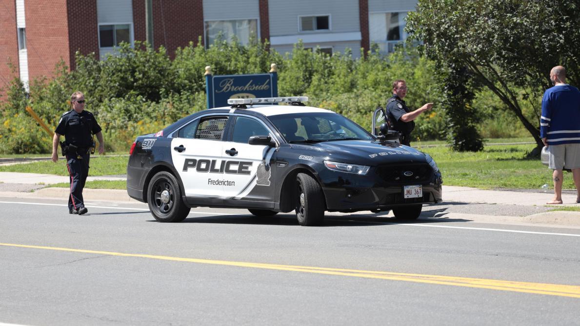 Collision entre deux avions en plein vol, un pilote tué — Canada