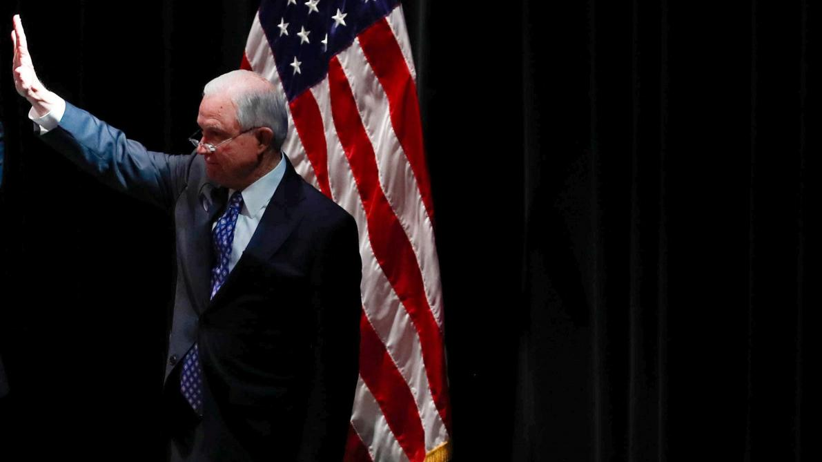 Donald Trump limoge son ministre de la Justice Jeff Sessions