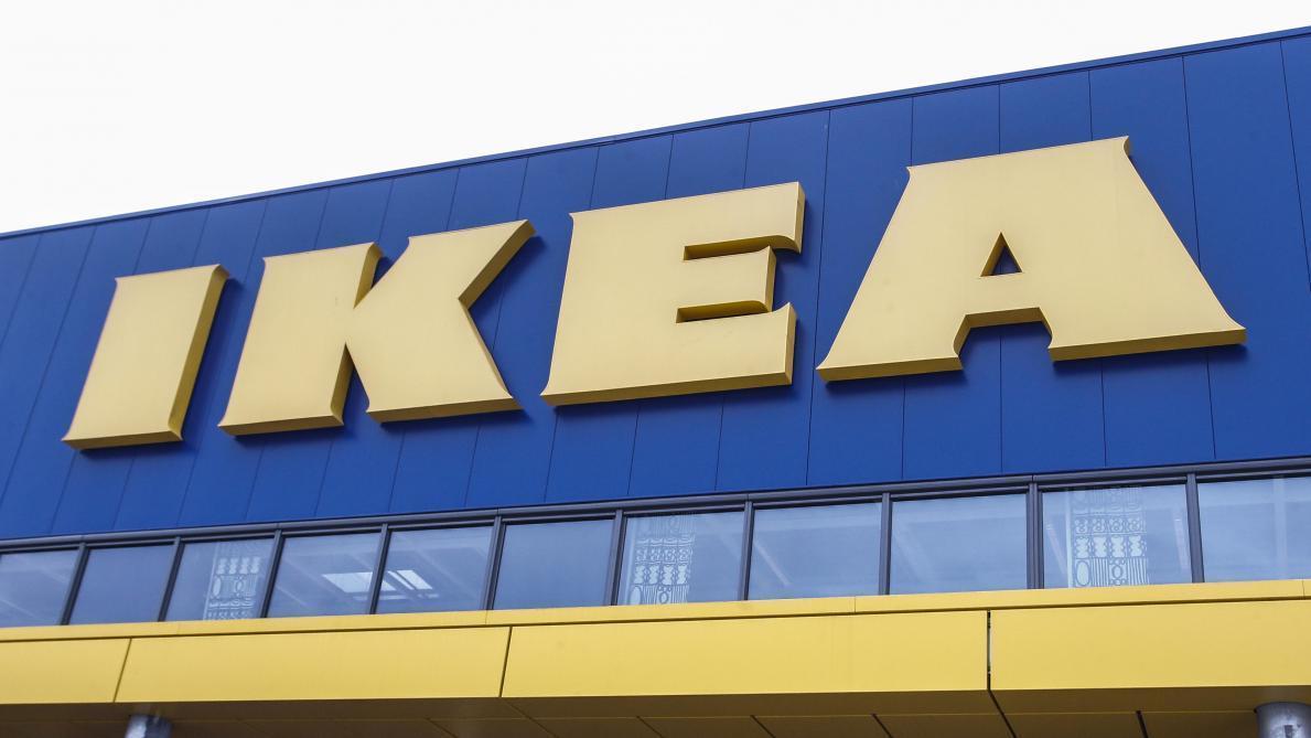 Ikea Rappelle La Table Extensible Glivarp En Raison D Un