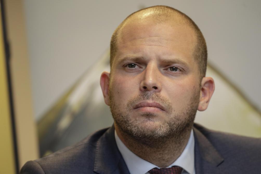 Theo Francken menace l'Open VLD «d'une guerre totale»