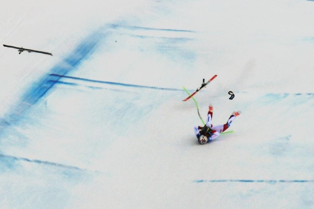 L'énorme chute de Marc Gisin à plus de 120 km/h — Ski alpin