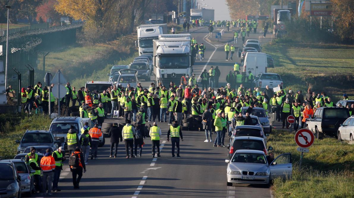 Un neuvième mort sur un rond-point en France — Gilets jaunes