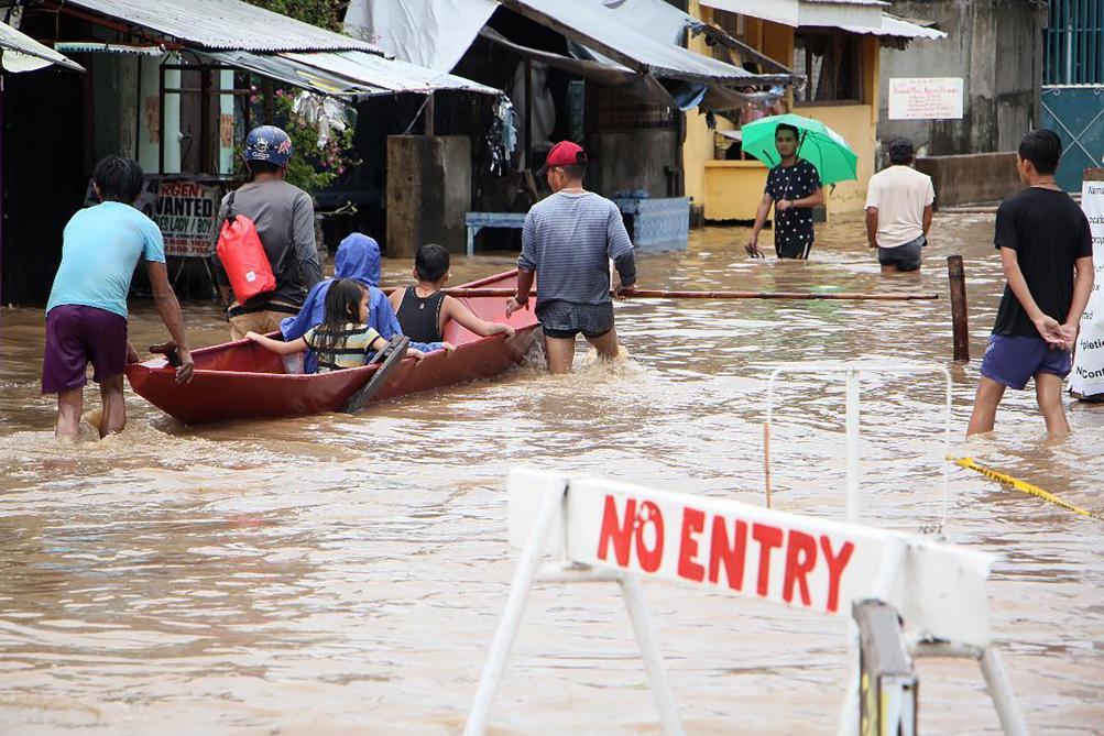 A la une - Catastrophe naturelle: Tempête aux Philippines: 68 personnes sont mortes