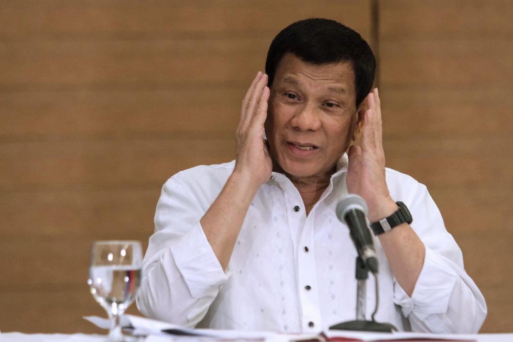 Philippines : le président Duterte raconte avoir agressé sexuellement sa domestique