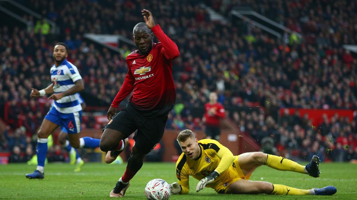 La gaffe, Alexis Sanchez s'asseoit à la place de Solskjaer — Manchester United