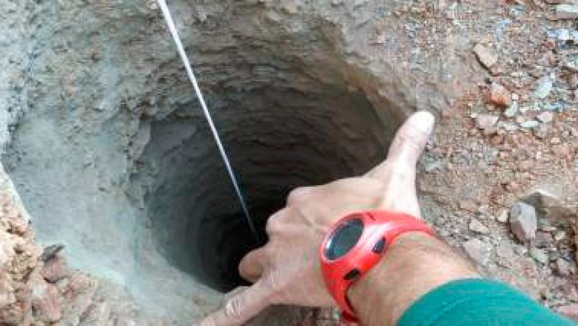 Un enfant de 2 ans bloqué dans un puits — Espagne