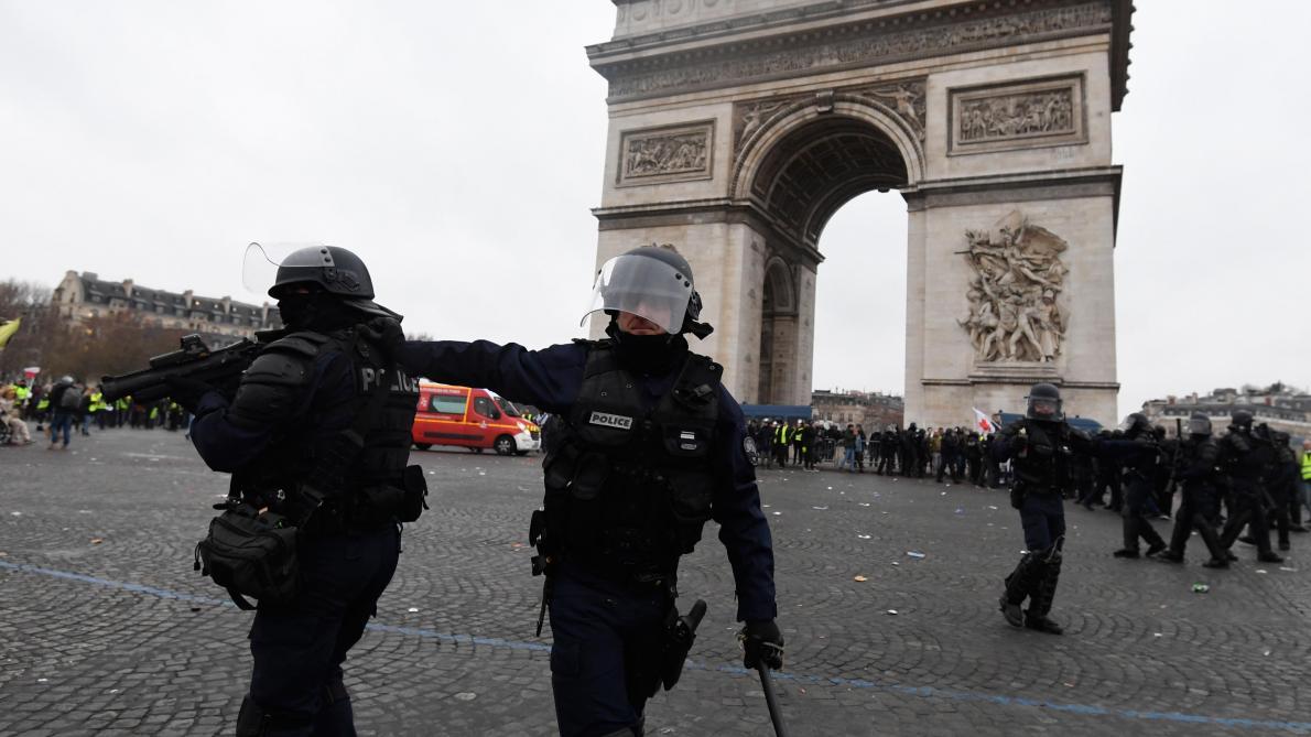 France: 80.000 forces de l'ordre sont mobilisées pour encadrer la dixième mobilisation des gilets jaunes