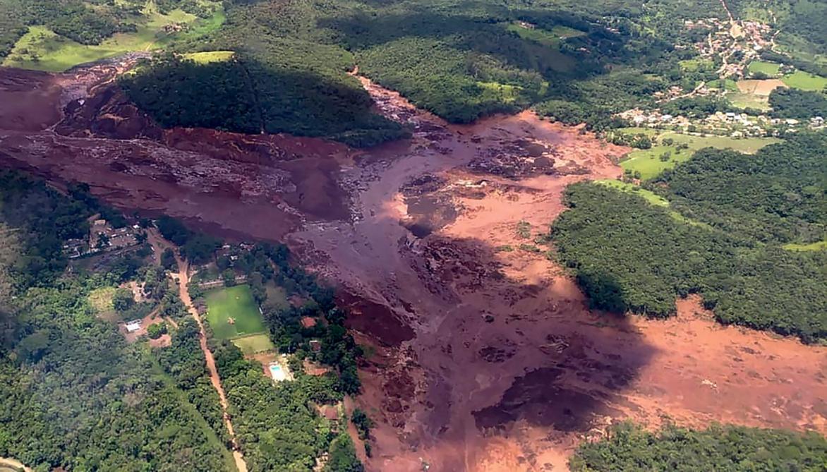 150 disparus après la rupture d'un barrage minier — Brésil