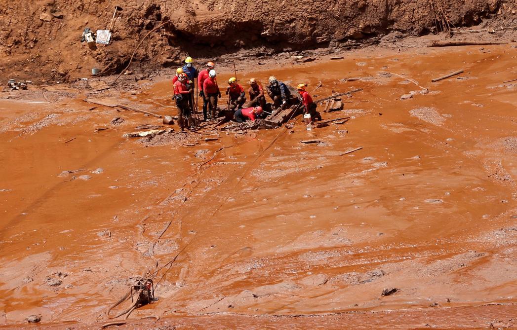 Rupture d'un barrage minier au Brésil: le bilan s'alourdit à 134 morts