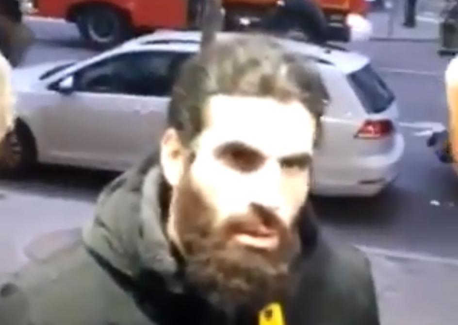 Gilets jaunes en France garde à vue pour un employé d'une boulangerie qui avait refusé de servir un policier