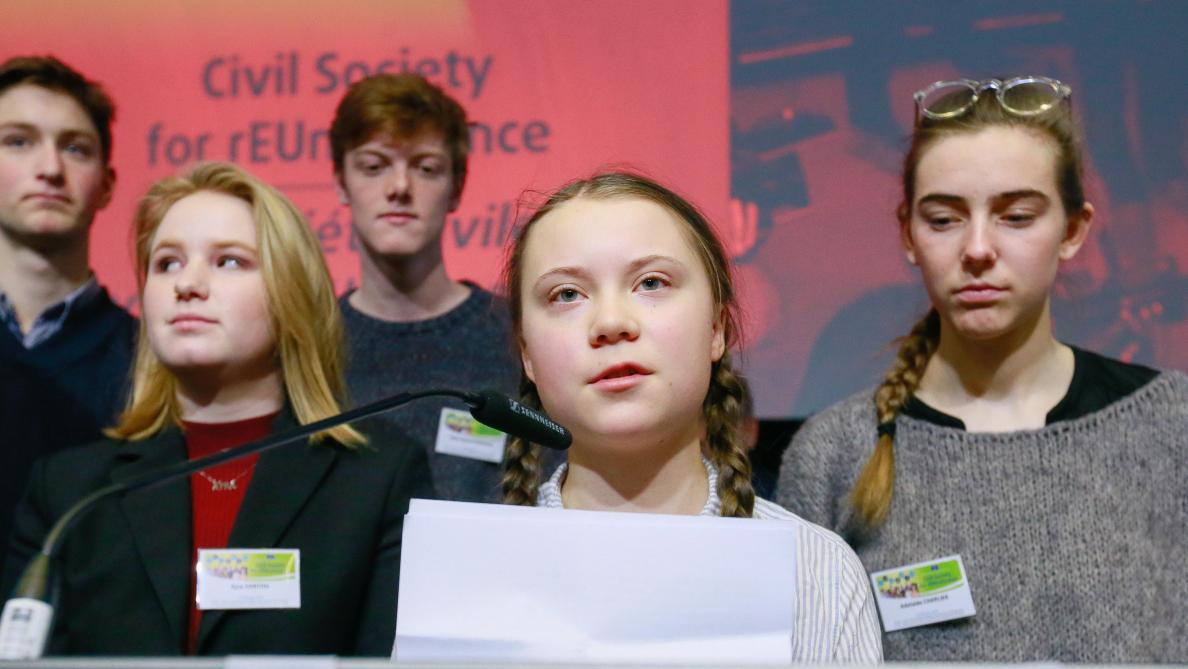 Les jeunes Parisiens sèchent l'école avec Greta Thunberg pour le climat