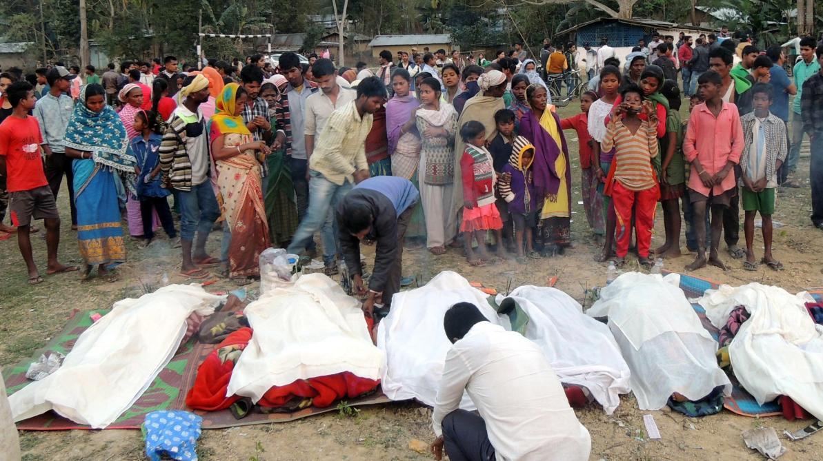 69 personnes tuées après avoir bu de l'alcool frelaté — Inde