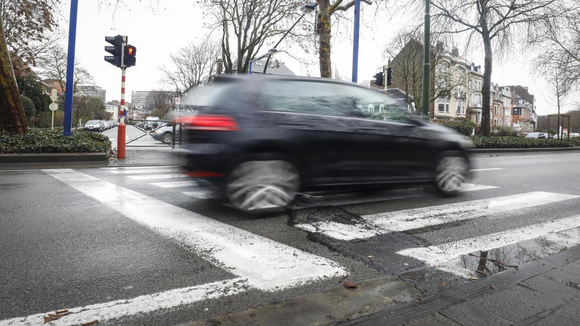 Mobilité à Bruxelles: trois quarts des Bruxellois d'accord avec davantage de zones 30 dans la capitale