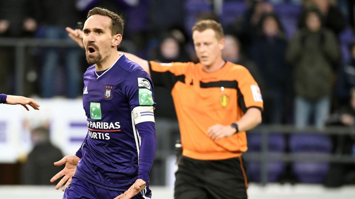 : Anderlecht – Courtrai: «L'arbitre a oublié un penalty évident pour les Mauves», commente Philippe Albert