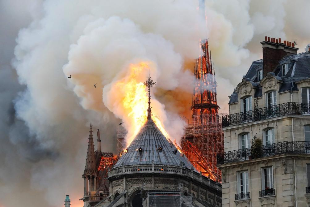 Un incendie en cours à Notre-Dame de Paris