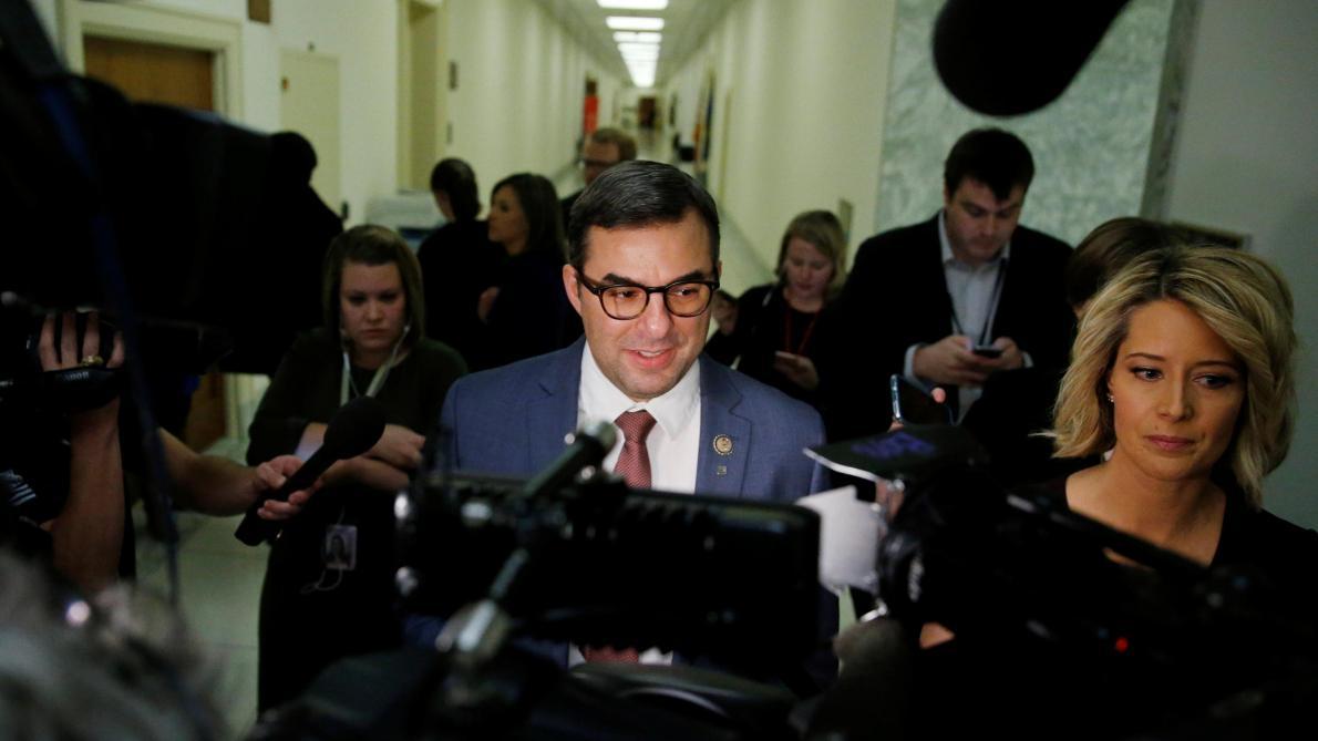 Un parlementaire républicain appelle à destituer Trump