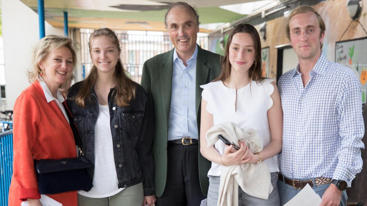 Elections 2019: la princesse Astrid et sa famille ont voté à Laeken (vidéo)