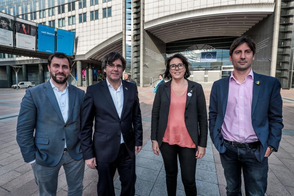 Parlement européen: les accréditations suspendues pour les Espagnols après un incident avec Puigdemont