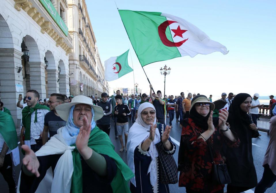 Présidentielle: la situation s'enlise en Algérie