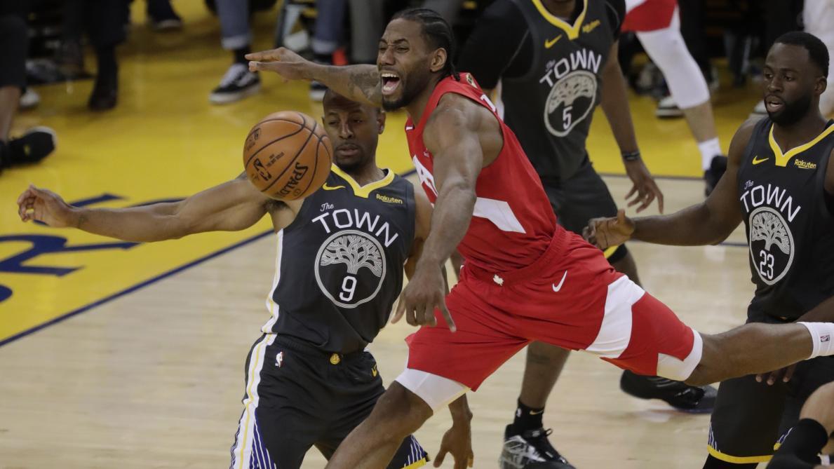66ddf3280c81b NBA: Toronto, qui mène 3-1 face à Golden State, n'est plus qu'à un match de  son premier titre (vidéo) - Le Soir