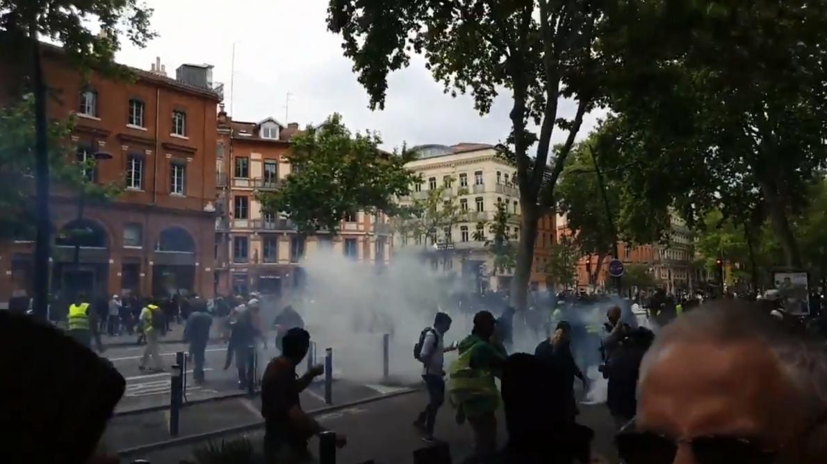 Gilets jaunes en France: nouvelle manifestation agitée à Toulouse (vidéo)