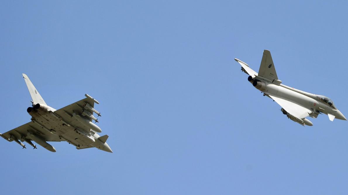 Deux avions de chasse s'écrasent après une collision, un pilote tué — Allemagne