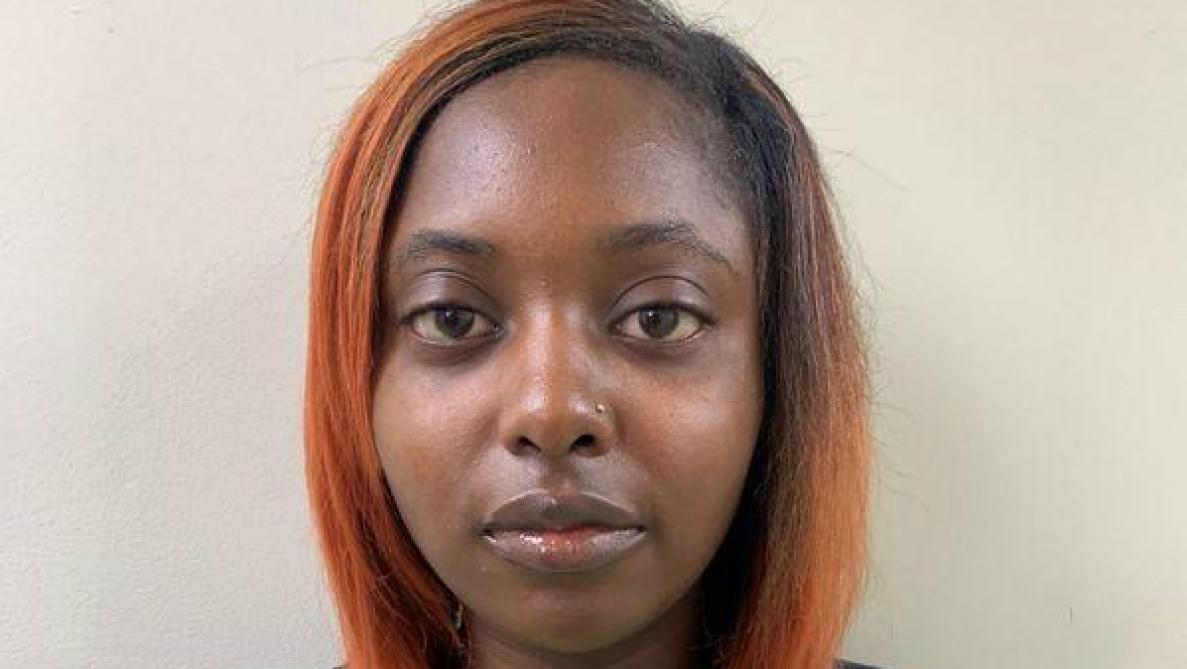 USA: Une femme enceinte se fait tirer dessus et est inculpée pour la mort de son fœtus