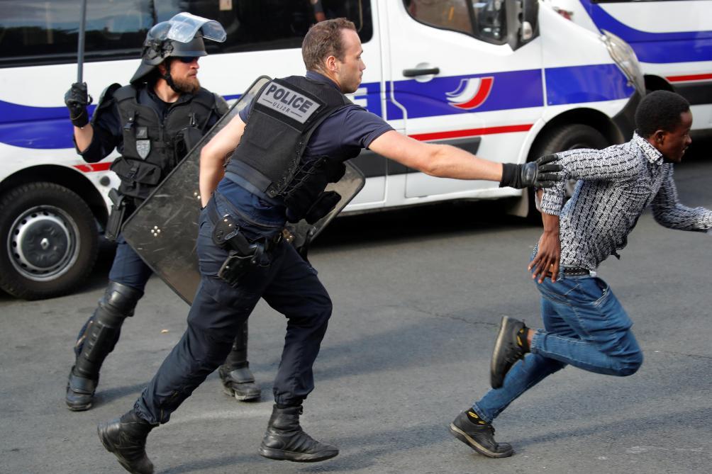 Asile et Migration: vingt-et-un sans-papiers placés en rétention après l'occupation du Panthéon à Paris